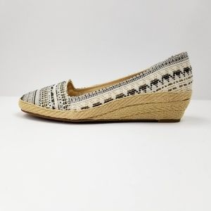 Lucky Brand Shoes - Lucky Brand Black & Tan Woven Wedge -size 8.5